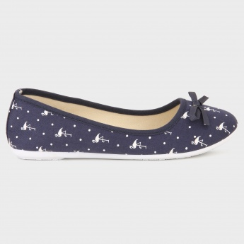 MAX Swan Print Canvas Shoes