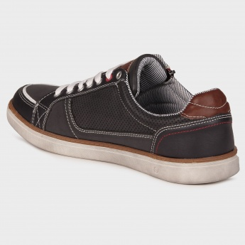 MAX Sturdy Lace-Up Shoes