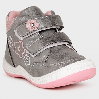 MAX  Ankle Length Velcro Closure Shoes