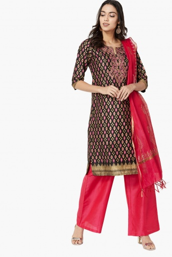 MAX Printed Kurta Churidar And Dupatta Set- 3 Pcs.