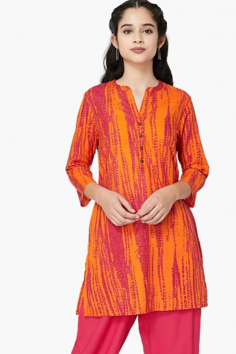 MAX Open Collar Printed Straight Kurti