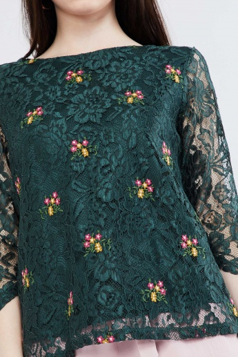 MAX Floral Embroidery Lace Top