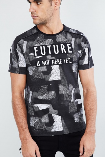 MAX All-Over Print Vented Hem T-shirt
