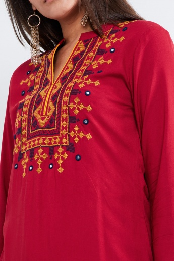 MAX Embroidered Band Collar Notch Neck Kurta
