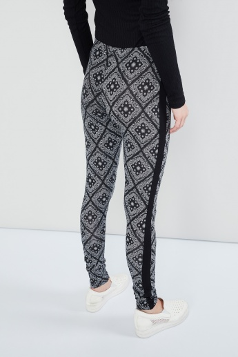 MAX Ethnic Print Side Tape Leggings
