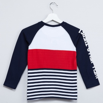 MAX Colour-Blocked Raglan Sleeves T-Shirt