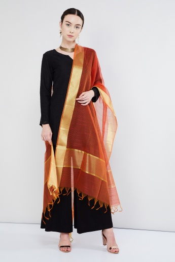 MAX  Broad Border Tasselled Edge Dupatta