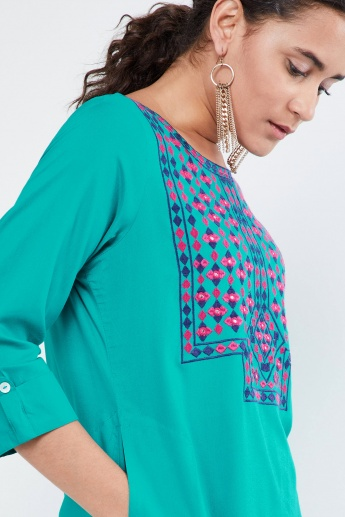 MAX Embroidered Yoke Pocket Detail Kurta