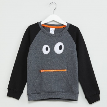 MAX Raglan Sleeve Sweatshirt with Applique
