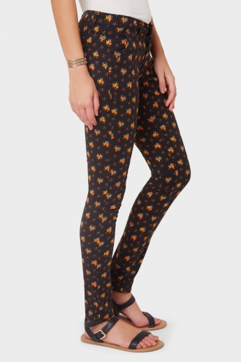 MAX Printed Slim Fit Pants