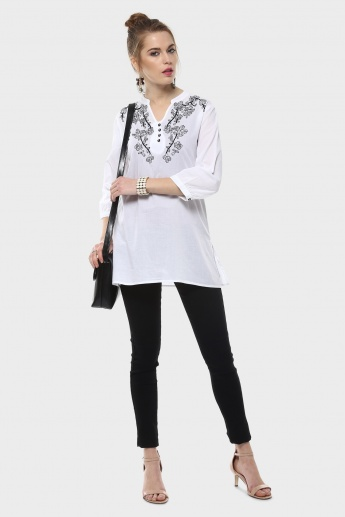 MAX Embroidered Blouse