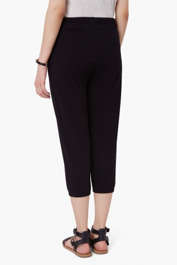 MAX Solid Pocketed Capris