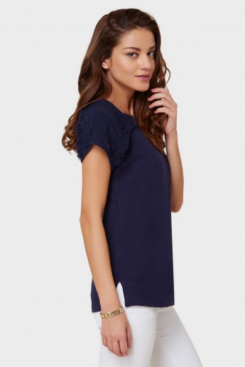 MAX V-Neck Frayed Top