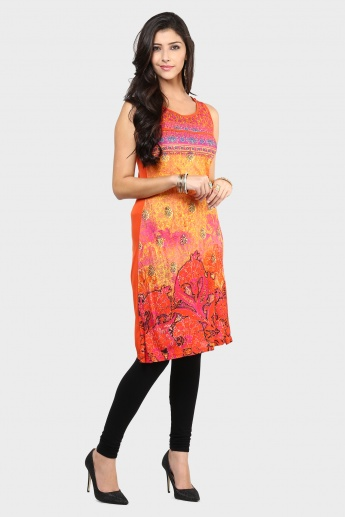 MAX Digital Print Sleeveless Kurta