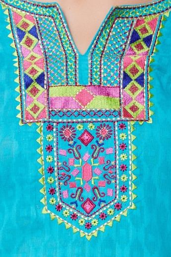 MAX Embroidered 3/4th Sleeves Kurta