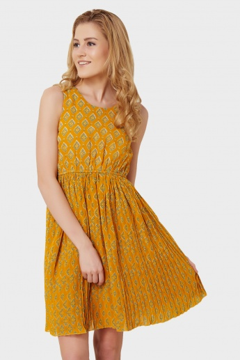 MAX Printed Fit & Flared Sleeveless Dress